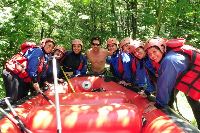 briefing rafting addio al nubilato